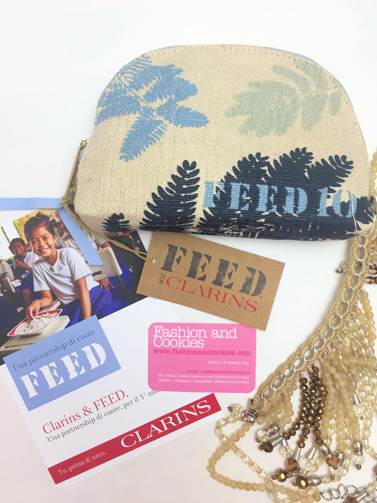 Clarins & FEED: la trousse in edizione limitata per aiutare i bambini