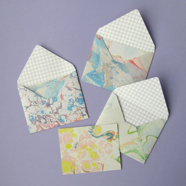 https://www.thevillagehaberdashery.co.uk/blog/2017/one-paper-pad-eight-easy-papercraft-projects-to-try