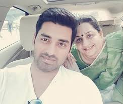 Ankush Hazra Family Wife Son Daughter Father Mother Age Height Biography Profile Wedding Photos