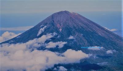 Gunung Agung tertinggi di Indonesia