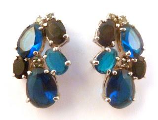https://www.kcavintagegems.uk/vintage-style-monet-blue-rhinestone-earrings-6074-p.asp