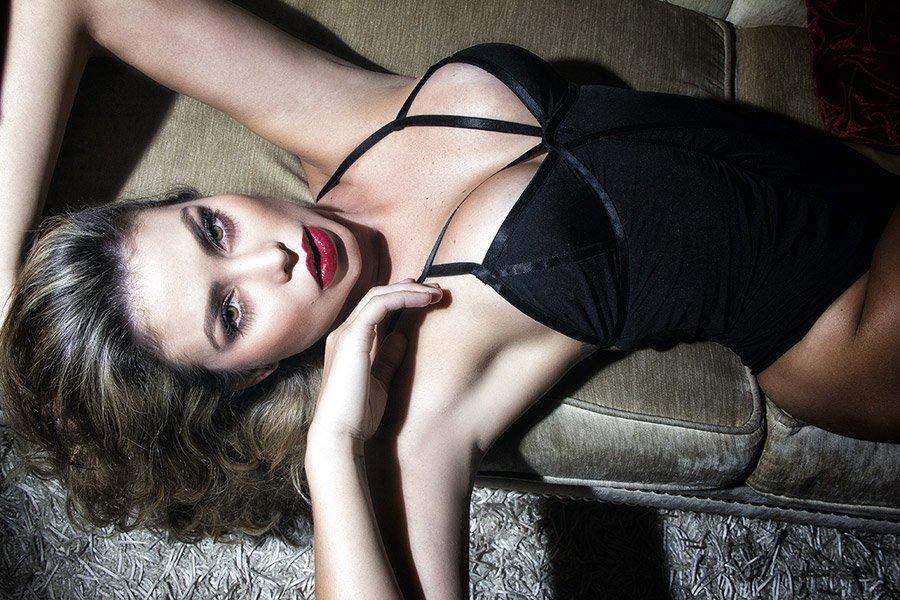 Paola Canas: Quả bom sex mê Messi -2