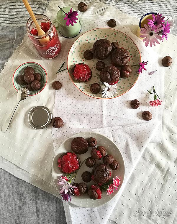 bollitos-cafe-chocolate-fresas-mermelada-saludable