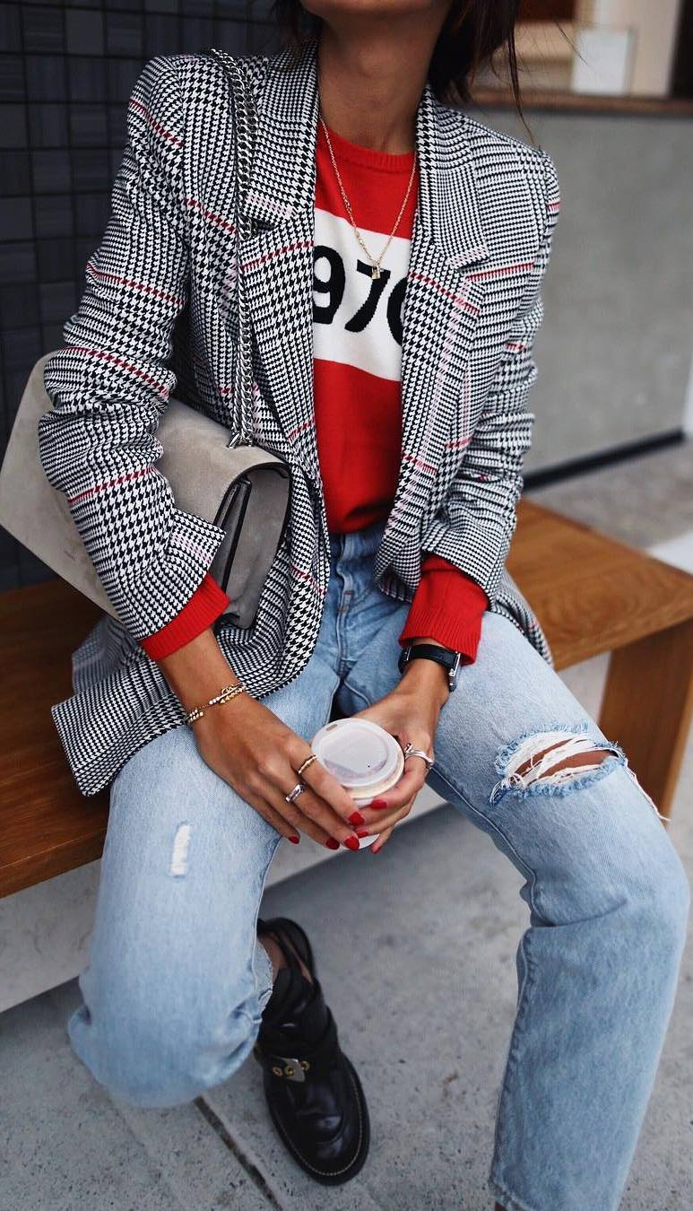 fashionable outfit idea : plaid blazer + sweater + bag + jeans + boots