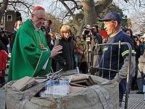 Jorge Bergoglio con los cartoneros ante de ser Papa Francisco