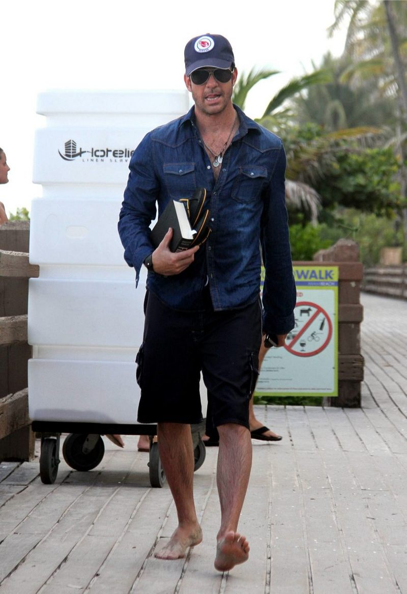 Famous Male Feet Dylan Mcdermott