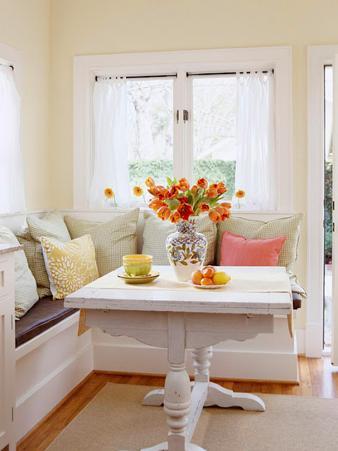 banquette bench seatting with hanglam decoration | Breakfast Nooks: Kitchen Bench Seats / Banquettes - Driven ...