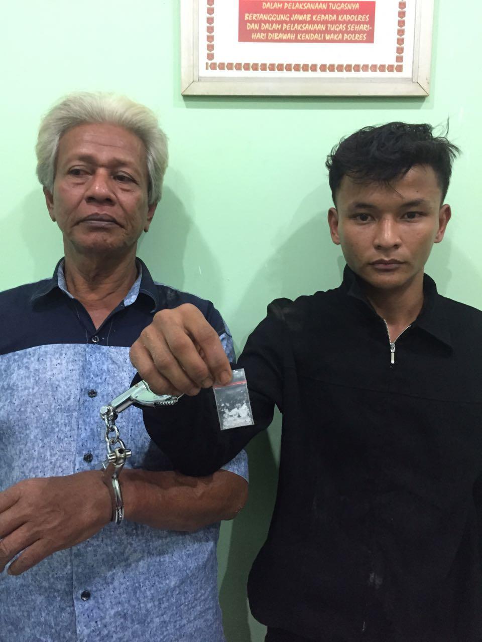 Amri dan Teguh kedua tersangka penjual sabu yang diringkus polisi.