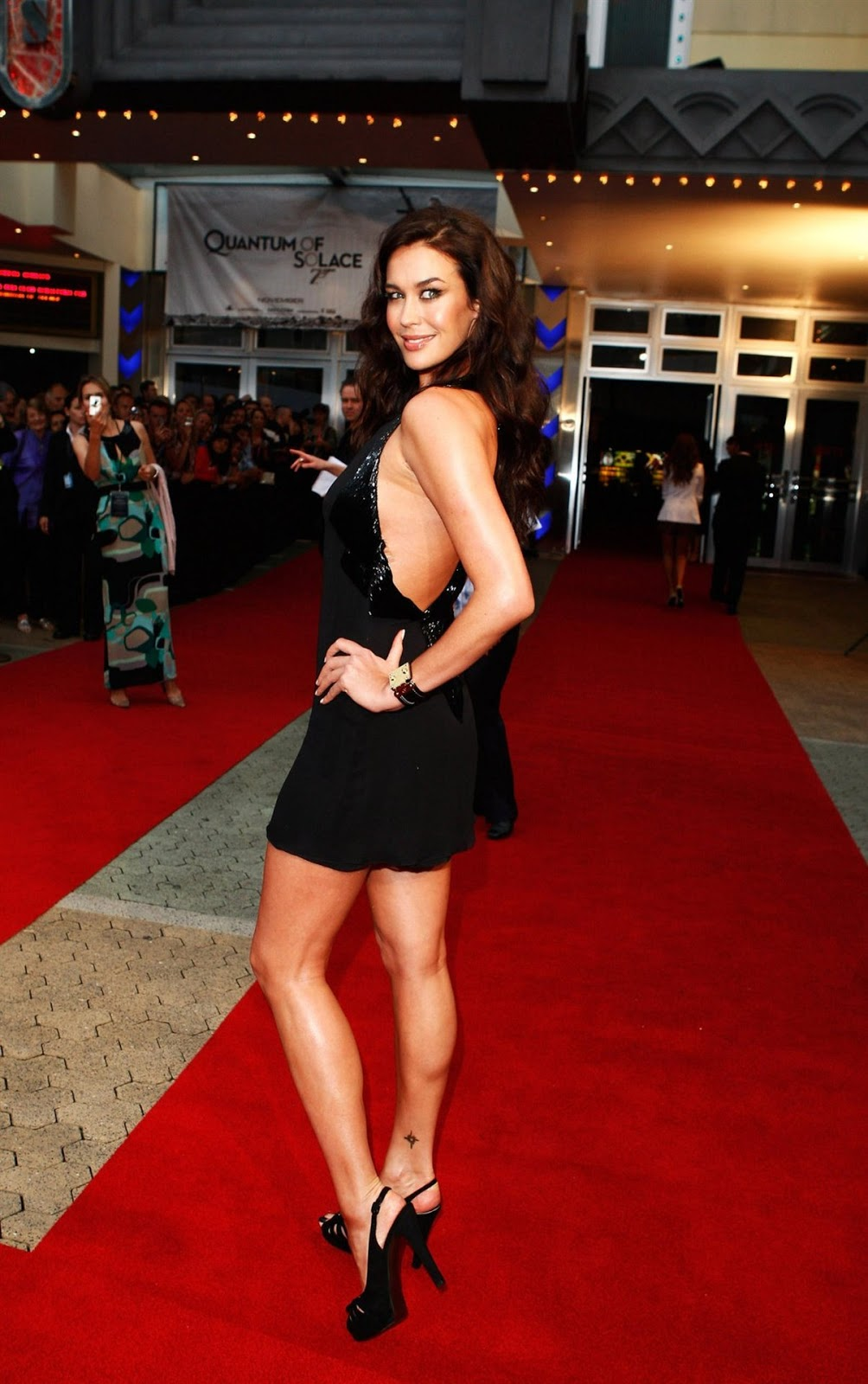 Her Calves Muscle Legs: Megan Gale sexy CALVES - Thanks to