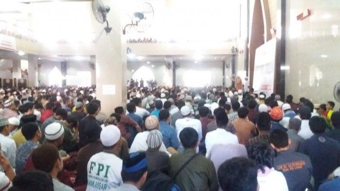 Rindu Ukhuwah Islamiyah! ANTUSIASME Peserta Tabligh Akbar Ustadz Felix Siauw Di Makassar ini Buktinya