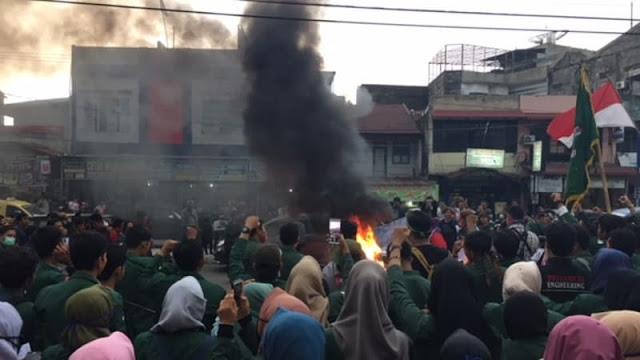 Demo, Mahasiswa di Medan Desak Kapolrestabes Minta Maaf soal Pemukulan