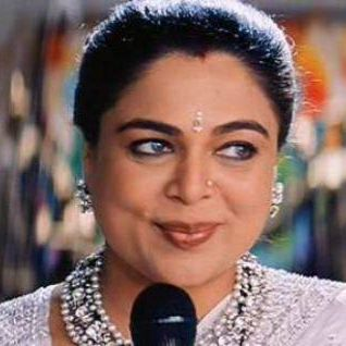 Reema Lagoo husband, daughter, age, movies, death, family, name, hot, shriram lagoo, young, personal life, biography, father, relation, marriage, affair, death date