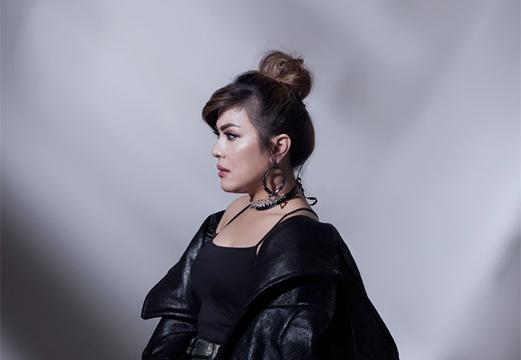 Lirik Lagu Tak Terganti - Novita Dewi
