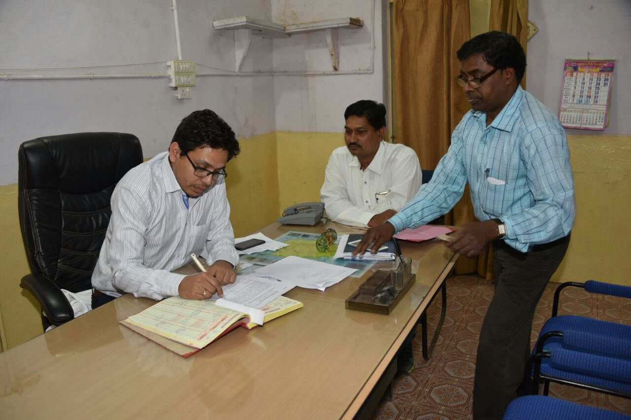 पेटलावद में आईएएस हर्षल पंचोली ने कार्यभार ग्रहण किया-petlawad-ias-harshal-pancholi-joined-today