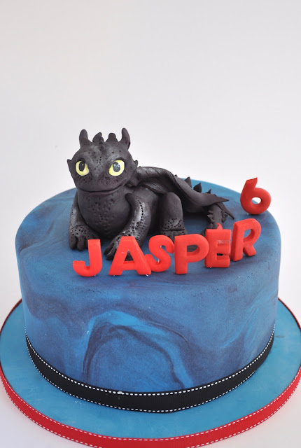 Rozanne S Cakes How To Train Your Dragon Cake