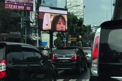 (VIDEO+FOTO) Terkena Hack, Videotron (Papan Iklan) di Jakarta Putarkan Bokep JAV