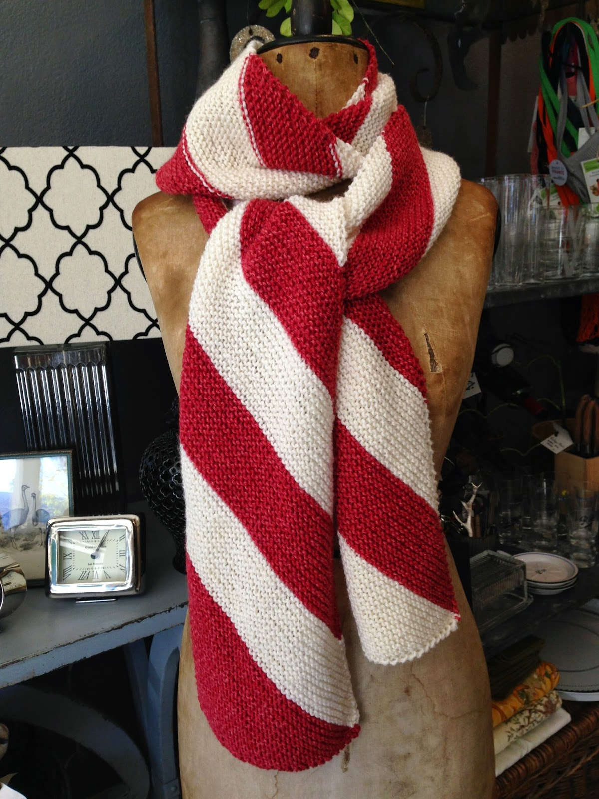 Candy Cane Scarf Free Pattern Preview