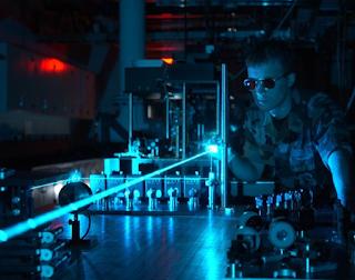 Ilmuwan militer telah menggunakan teknologi laser