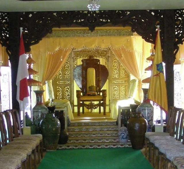 Gambar Rumah Adat Baloy Mayo Lamin Dalom