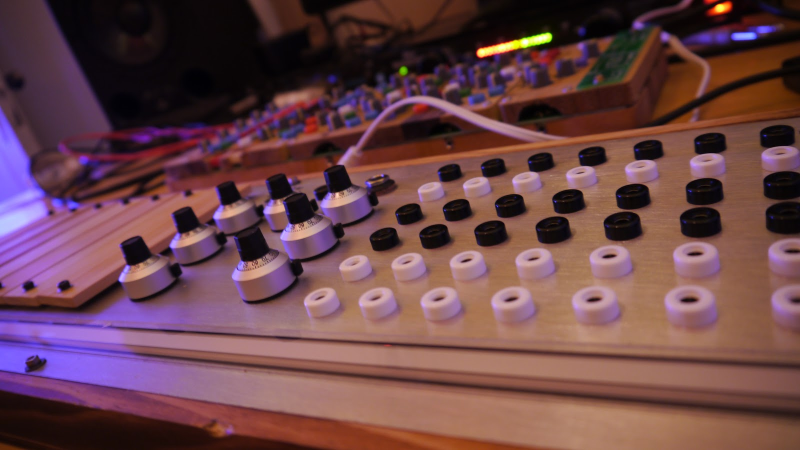 Matrixsynth Wednesday May 6 2015 Diabolical Devices Casio Sk1 Circuit Bent Sampling Fun New Pics Of The Signed Meng Qi Sidrassi Previous Posted Here Details Captured In That Post This One Is Currently Up For Sale