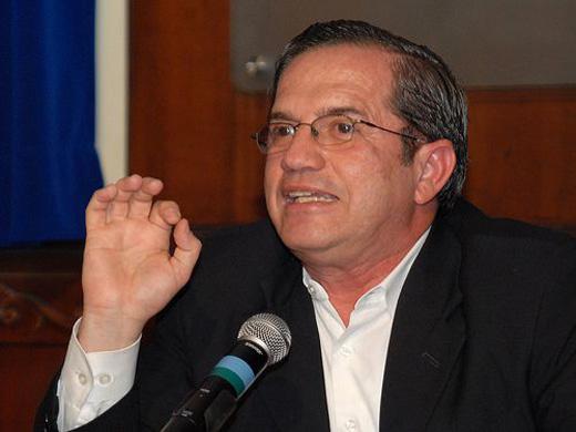 Gran Bretaña amenaza asaltar la embajada de Ecuador en Londres