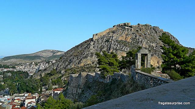A Fortaleza de Palamidi vista da Acronafplia, antiga Acrópole de Nafplio
