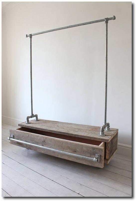 contoh Kabinet unik dari pipa besi bekas