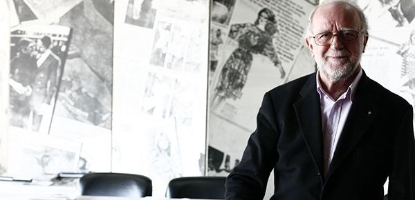 Συνεχίζεται η μεγάλη αναδρομική έκθεση του σπουδαίου σχεδιαστή Γιάννη Τσεκλένη στο Ναύπλιο (βίντεο)