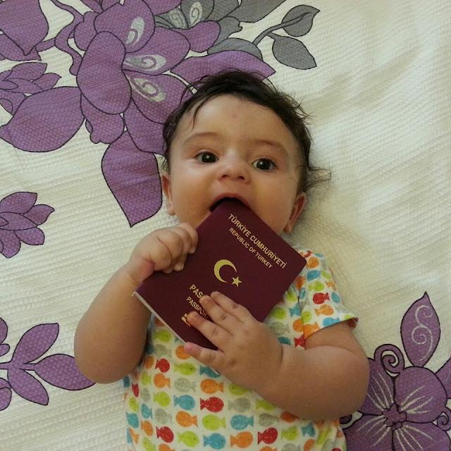 bebekle seyahat, bebeğe vize, çocukla seyahat, bebek pasaportu, online randevu, çocukla gezmek zor mu, bebek biletleri, uçakta bebek ağlarsa, çocuk oylamak, bebekle yurtdışı, kulakları basınç, bebek, çocuk, seyahat, kanguru kullanmak, yurtdışında bebek yemeği, ne yedirsem, bebekle hangi ülkeye, bebekle tatil, bebekli aile, çocukla tatilde, bebek ve tatil, bebekle asya, uzak rota