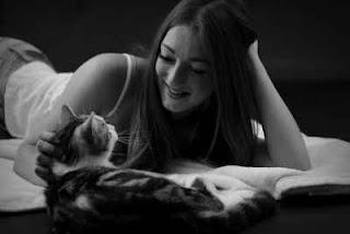 Penyebab  wanita lebih suka memelihara Kucing