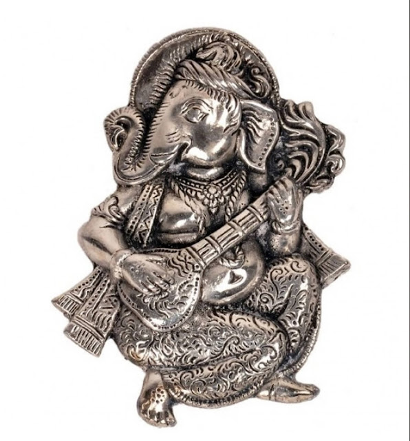 Oxidized White Metal Lord Ganesha Sitar Idol Sunshine