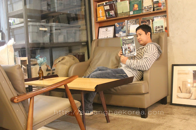 """Reading """"No Couches in Korea"""" on a Couch in Korea"""