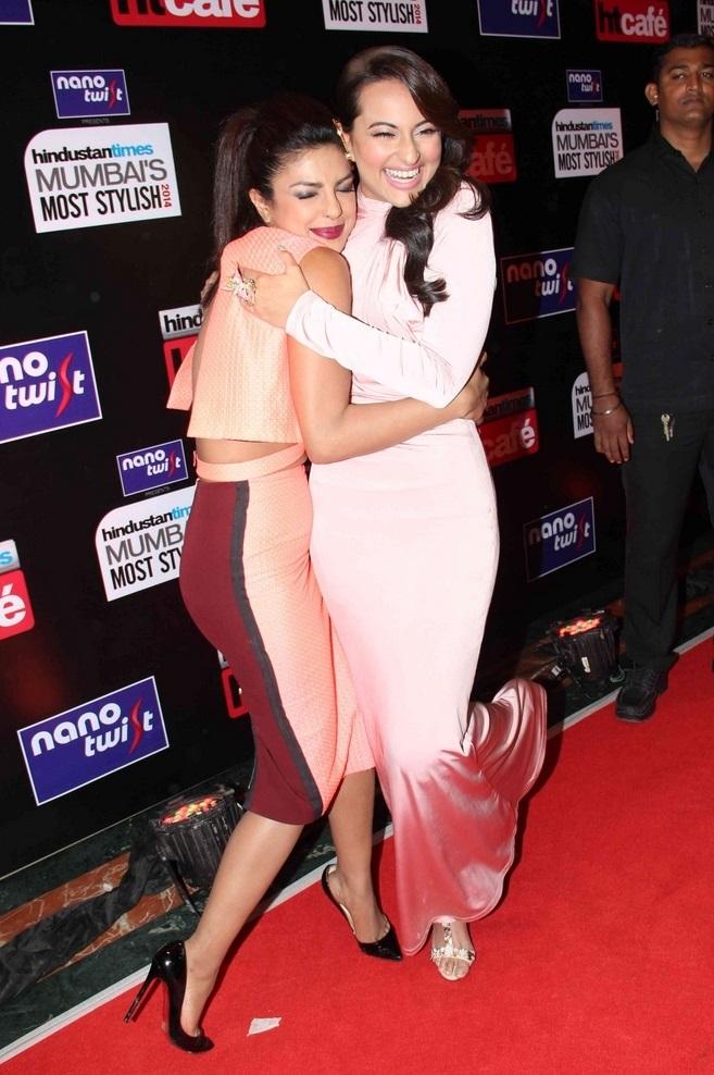Hot Girl Priyanka Chopra Funny Stills at Hindustan Most Stylish Awards