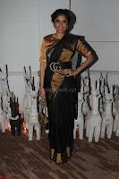 Sonam Kapoor Soha Ali Khan Konkona Sharma at Raw Mango store launch March 2017 040.JPG