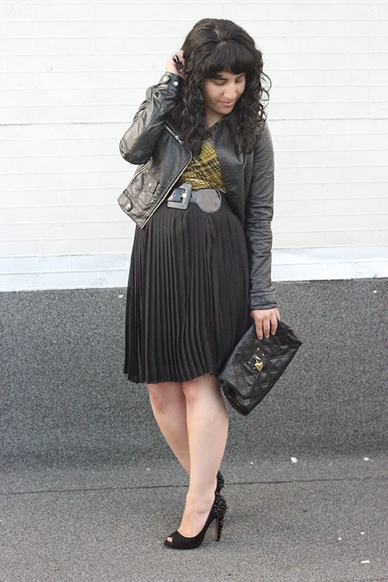 Date Night Pleated Skirt Outfit Inspiration