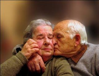 """idosos1 - """"Não posso continuar a cena, estou feliz demais"""""""