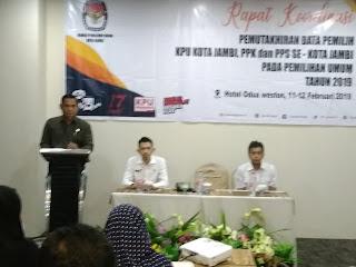 Komisioner KPU Kota Jambi Buka Rakor Pemutakhiran Data Pemilih Tingkat PPS Dan PPK Se-Kota Jambi
