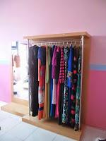 furniture semarang - etalase pakaian butik distro muslim hijaber 02