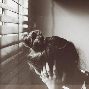 رمزيات حزينه معبرة بدون كتابة صور رمزيات حزينة بدون كلام للواتس