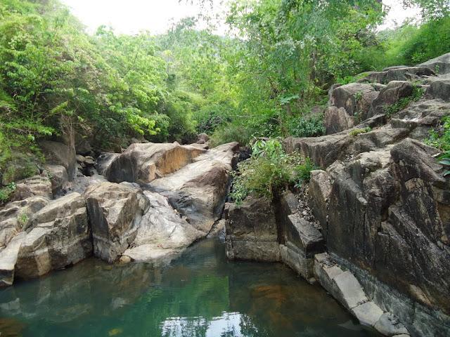 Khu du lịch Núi Dinh (Tân Thành - BR-VT)
