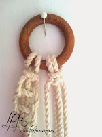 anneau en bois début du tressage des cordes macramé
