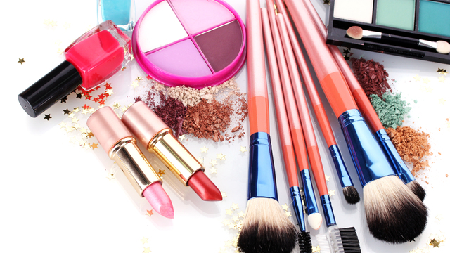 Os Perigos da Maquiagem Vencida