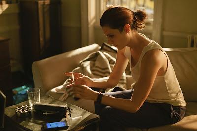 Interpretada por Stana Katic, ex-agente terá que lidar com as consequências de anos de tortura e lutar para reconstruir o relacionamento com o filho - Divulgação
