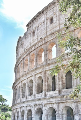 Lateral Coliseo en Roma