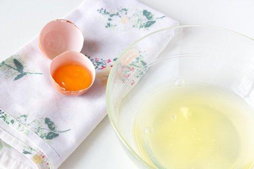 Comment préparer un soin du visage avec du blanc d'œuf et le zeste d'orange?