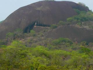 No solo en las nubes podemos crear imágenes hermosas, también las encontramos y Naturalmente en las Rocas de Venezuela (Piedra del Elefante)
