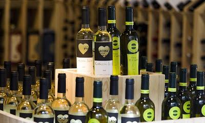 Bodegas Rías Baixas y la familia de Iniesta promocionan sus vinos en Brasil 1