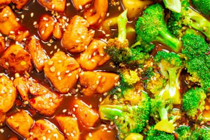 Skinny 15-Minute Sesame Chicken and Broccoli