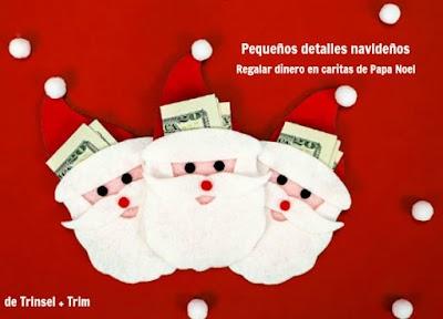 Regalar dinero en el gorro de Papa Noel o Santa en Nochebuena
