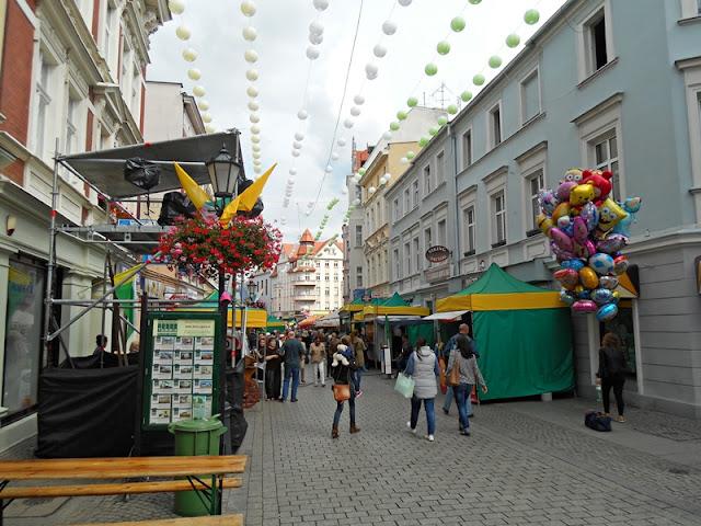 ulica, ozdoby, bruk, kwiaty